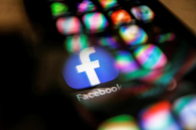 Australia's news revenue-sharing law behind battle with Big Tech
